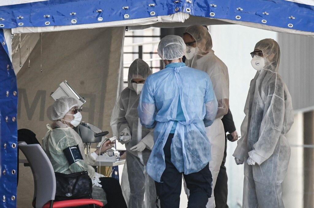 خبرنگاران شمار جان باختگان کرونا در فرانسه به 9 هزار نفر نزدیک شد